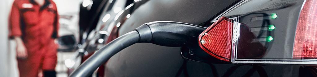 Sähköautojen ja hybridiautojen korjaukset